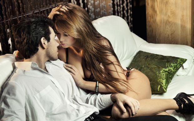 Якщо ти хочеш зробити коханому сюрприз, але нічого не спадає на думку, чому б не приготувати для нього романтичну вечерю і незабутню ніч?!