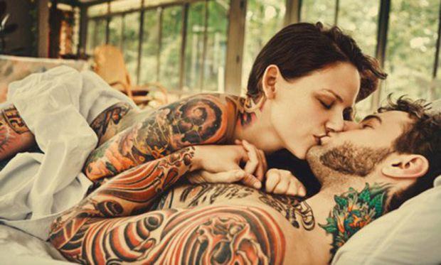 Можливо, це абсурдно звучить, але вчені розповіли, що чим більше на тілі людини різних татуювань, тим вища ймовірність, що вона здатна зрадити.