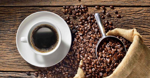 Німецькі вчені з Дюссельдорфського університету імені Генріха Гейне з'ясували, що регулярне вживання кави сприяє поліпшенню функцій мітохондрій і захи