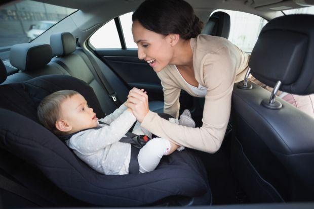 Если вы часто путешествуете и у вас есть малыш, помните о его безопасности, ведь в настоящее время, его жизнь в ваших руках! В машину обязательно нужн
