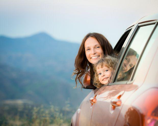 Які засоби гігієни потрібно взяти зі собою в поїздку точно, коли подорожуєте з дитиною - читайте наш матеріал.