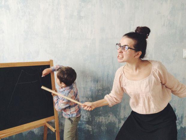Учитель кричить на дітей, що робити?  Цими заголовками рясніють форуми інтернету. На їх сторінках виступають як захисники дітей, так і представники ос