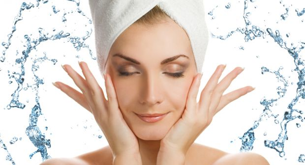Щоб надати шкірі тонус, сяйво і красу, візьміть на замітку цю експрес-програму догляду.