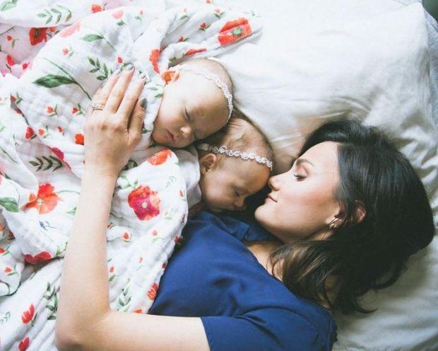 Як правильно виховувати дитину, щоб не переборщити з присутністю мами в житті сина чи дочки?
