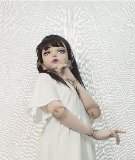 Над образом японки Лулу Хасімото потрудилася дизайнер Хітомі Комаки, яка називає своє творіння першою в світі моделлю
