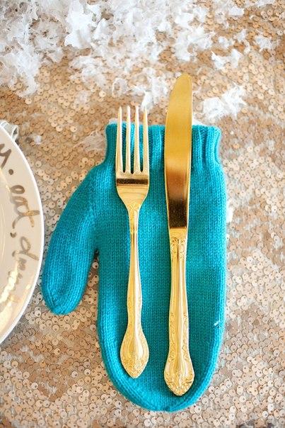 Весільний стіл - найголовніший на весіллі, звісно, після молодої пари. Відтак, на ньому потрібно закцентувати особливу увагу.