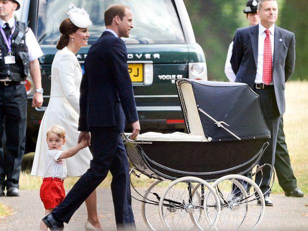 Якщо в сім'ї грошей не так вже й багато, то не обов'язково купувати дуже дорогу коляску, можна вибрати щось з недорогих, також можна купити коляску б/