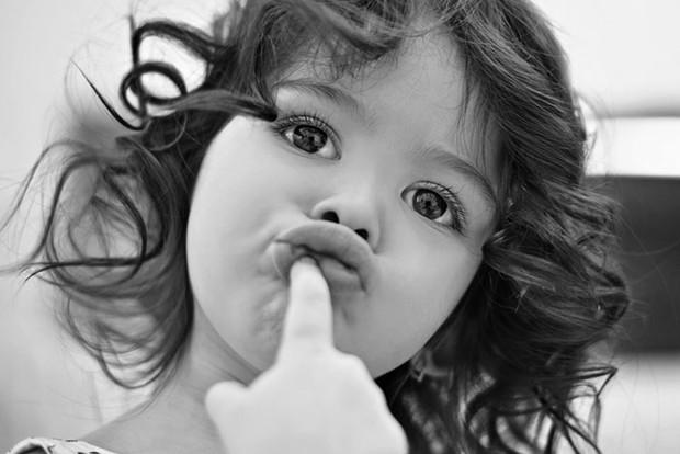 Що впливає на розвиток мови малюка?