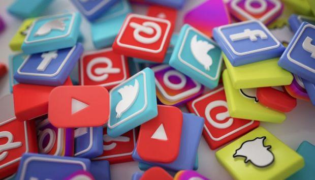 Мало хто знає, але активність в мережі може як допомогти, так і перешкодити в побудові кар'єри. Як вести себе в соціальних мережах, щоб інтернет-актив