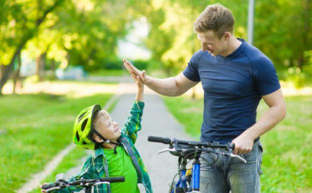 Хочете, щоб ваша дитина виросла самостійною, тоді не допускайте таких помилок, які наведені у нашому матеріалі.