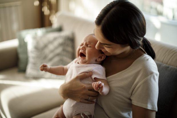Недосконалість нервових закінчень кишечника часом викликає сильний біль у новонароджених, які можуть кричати через це протягом кількох годин. Дитячі к