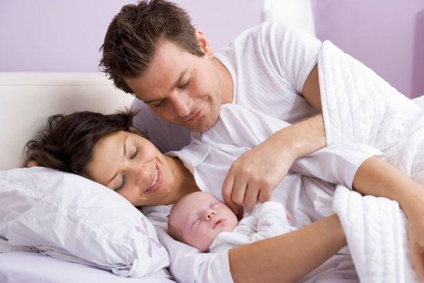 Британські вчені вирішили подарувати чоловікам можливість годувати новонароджених грудним молоком.