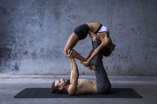 Відновити і якісно покращити сексуальність в парі допоможе йога. І на те є кілька причин.