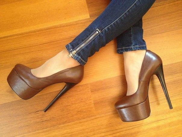 Хто що б не говорив, а туфлі - одна з найбільших слабкостей кожної жінки.Що ж в моді цього сезону?