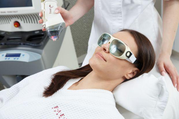 Багато жінок думають, що після лазерного впливу шкіра стає тоншою.