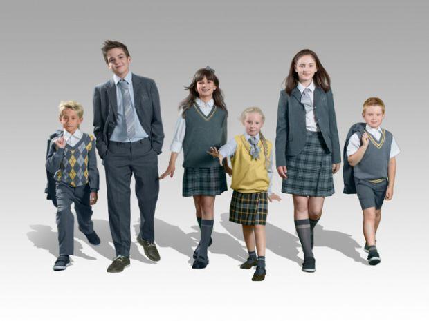 Яка вона - модна шкільна форма?Poustovit розробив дизайн шкільної форми для Новопечерської школи, яка була відкрита нещодавно.