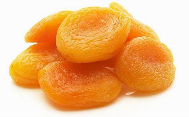 Курага або урюк, неважливо як називають сушений абрикос, безсумнівно, це просто джерело корисних речовин.
