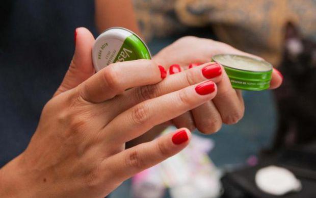 5 способів застосувати вазелін для краси.