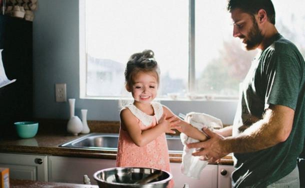 Як тато відіграє роль у житті своєї доньки - читайте далі.
