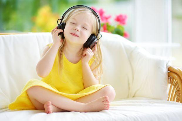 Дослідження 2011-2012 років показало, що у майже 40 мільйонів дорослих американців молодше 70 років є проблеми зі слухом. Яку роль в цьому зіграли нав