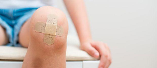 Якщо час упущено і у дитини на місці травми з'явився шрам, від нього можна позбутися декількома методами, якими саме - читайте далі.
