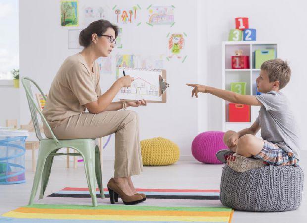 Згідно з дослідженням, за період від народження дитини до того моменту, коли вона з'їде з рідного дому, американські мами та татусі роблять близько 4