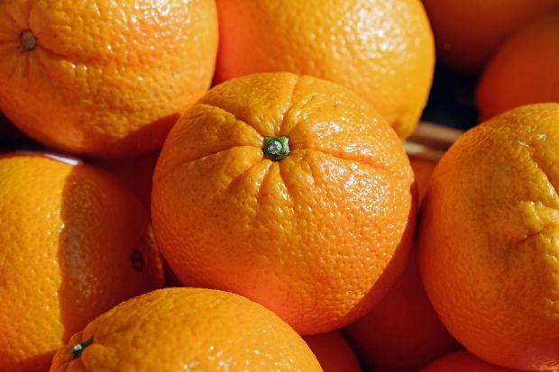 Апельсини - цілком собі натуральний продукт. До того ж корисний - навіть діти знають, що в них міститься вітамін С. Насправді все не зовсім так.