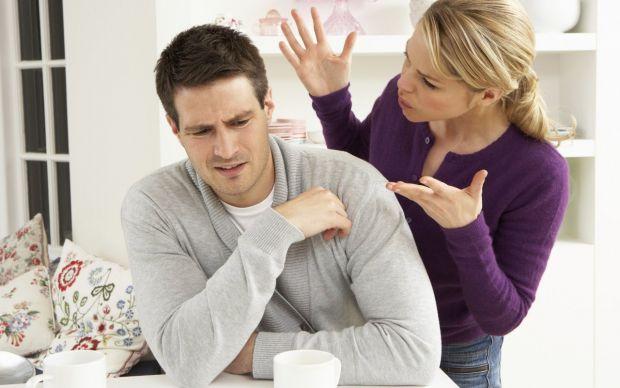 Помилки у відносинах, що ведуть до розлучення, які саме - читайте далі.