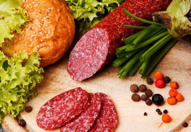 Здорова їжаЩодня ми вживаємо безліч різних продуктів які шкодять нашому організму. Як обмежити цю шкоду і бути здоровим а також оздоровити сім'ю?Почне
