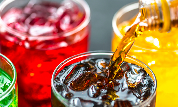 Фахівці Американської академії неврології з'ясували, що вживання солодких напоїв збільшує тяжкість симптомів розсіяного склерозу - поширеного аутоімун