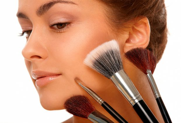 7442_makeup1.jpg (36 Kb)