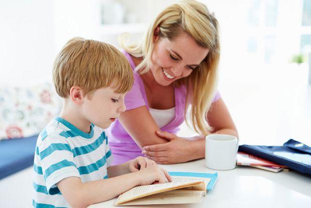 Багатьом батькам школярів знайома проблема спільного виконання домашнього завдання. Як правило, діти сприймають уроки як покарання, батьки - як випроб