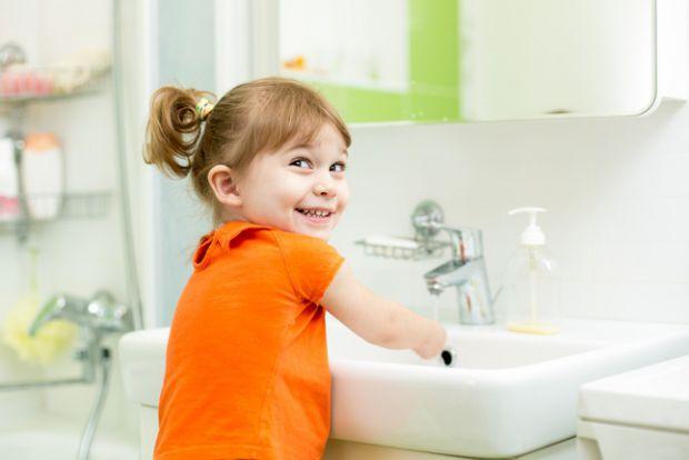 У дітей ще не достатньо сильні захисні бар'єри шлунково-кишкового тракту, і тому саме вони легка здобич для гельмінтів. Звідки вони беруться і як прот