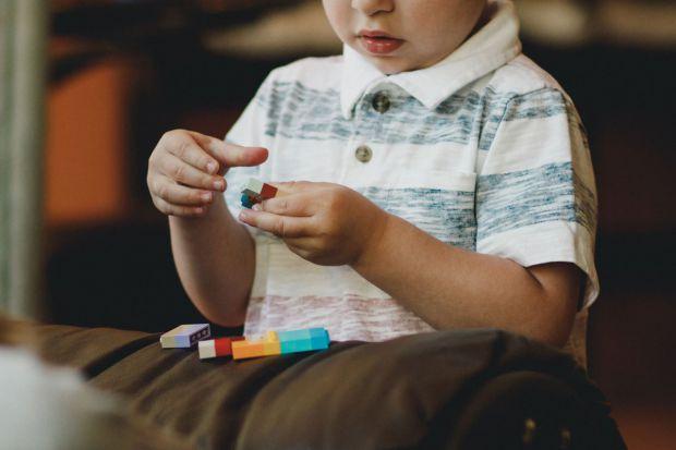 Фахівці науково підтвердили, що мозок дітей здатний приймати більш правильні і логічні рішення.