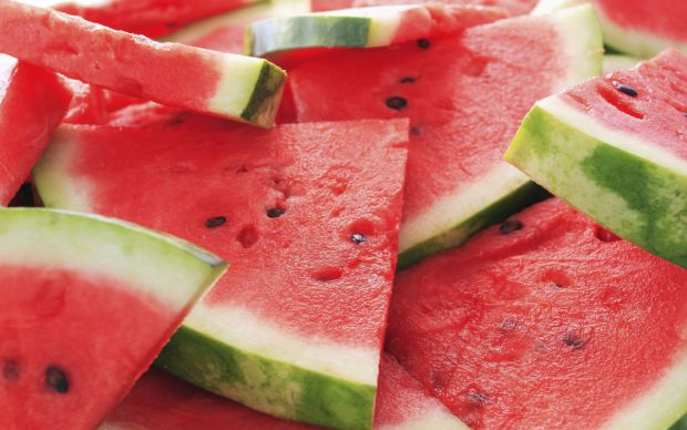 7541_1438428799_food_fruits_and_berryes_juicy_watermelon_016500_.jpg (44.75 Kb)