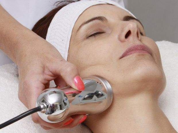 Папілома - це невелике доброякісна пухлина на шкірі. За появу невеликих наростів на тілі відповідальний так званий вірус папіломи людини (ВПЛ), який у