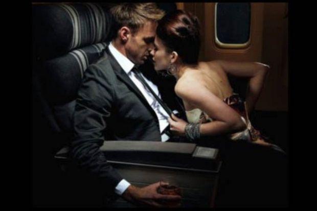Секс в літаку - це скоріше потреба в гострих відчуттях, а не необхідність. Але, якщо дуже хочеться, то що робити в такій ситуації - читайте далі.