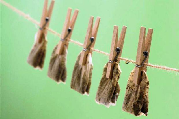 Не спішіться викидати чайні пакетики, які вже використали, вони стануть ефективними в інших речах.