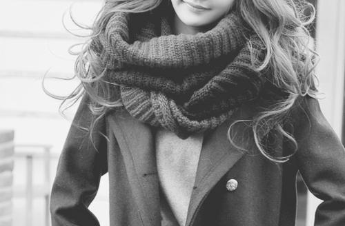 Цікаві ідеїЩоб виглядати кожен день по-новому, досить мати десяток шарфів і палантинів. Але навіть якщо у Вас їх всього п'ять - це не біда. Ми навчимо