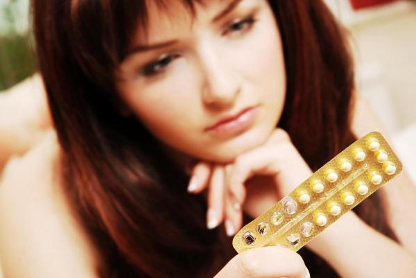 Яка вірогідність завагітніти?Гормональні контрацептиви гарантують надійний захист від вагітності лише за умови правильного прийому. Пити таблетки слід