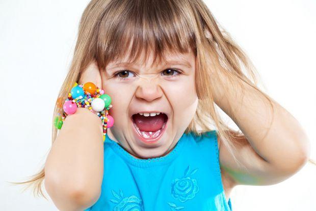 Ці фрази, які наведені в матеріалі негативно впливають на дітей. Отже, батьки, задумайтесь, перше ніж говорити ту чи іншу фразу своєму малюку, це може