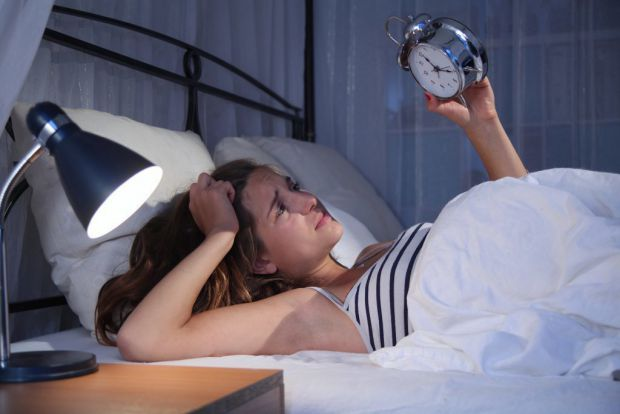 Вчені-сомнологи з університету Уппсали (Швеція) заявили про те, що депривація сну для жінок небезпечніша, ніж для чоловіків, - але самі жінки не усвід
