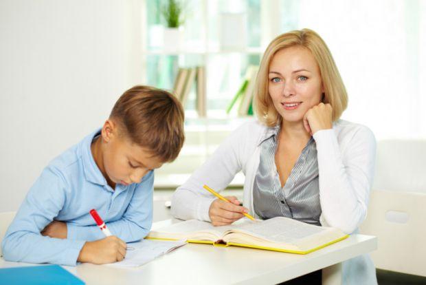 Не тільки для випускників батьки шукають репетитора, але і для дітей молодших класів, якщо ті відстають у навчанні, або хочуть більше розвиватися.