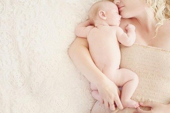 Пропонуємо вашій увазі відеоролик з порадами фахівців про те, як правильно доглядати за немовлям з його перших днів життя.Для молодих матусь, котрі вп