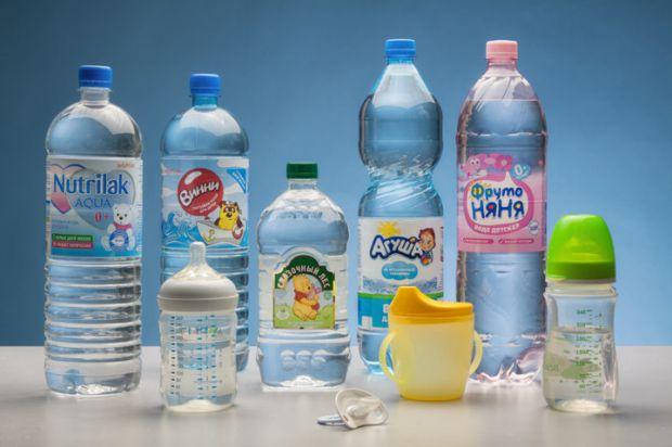 Вода необходима для жизни, а также она лучше удовлетворяет жажду. Если говорить о детях, то не вся вода подходит для маленьких детей. В материале вы н