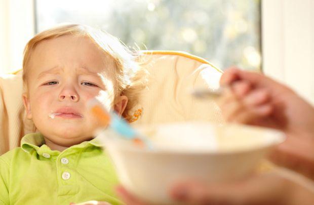 Причини, чому малюк не хоче їсти.