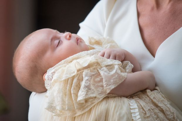 Фото з хрещення принца Луї представлені Кенсінгтонським палацом