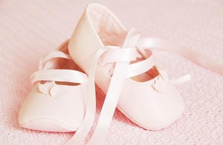 Допомогу при народженні дитини збільшили на 10 тисяч.Згідно закону України 1166-VII