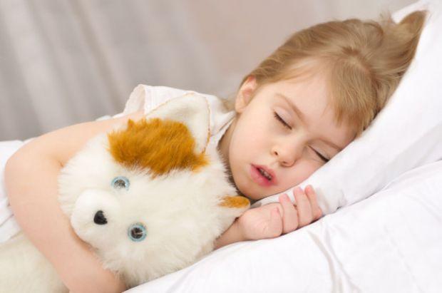 Якщо ваша дитина хропить, то зверніть на це увагу, тому що хропіння може служити, якісь хворобі.