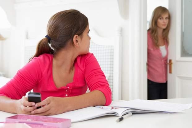Фахівці Каліфорнійського університету дослідили, як підлітки реагують на батьківський гнів. Результати надрукувало видання Journal of Youth and Adoles